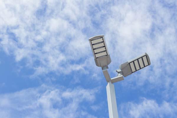 Heliosolar se adjudica el estudio y preparación de la memoria del alumbrado público de Loeches a través de financiación IDAE para eficiencia energética.